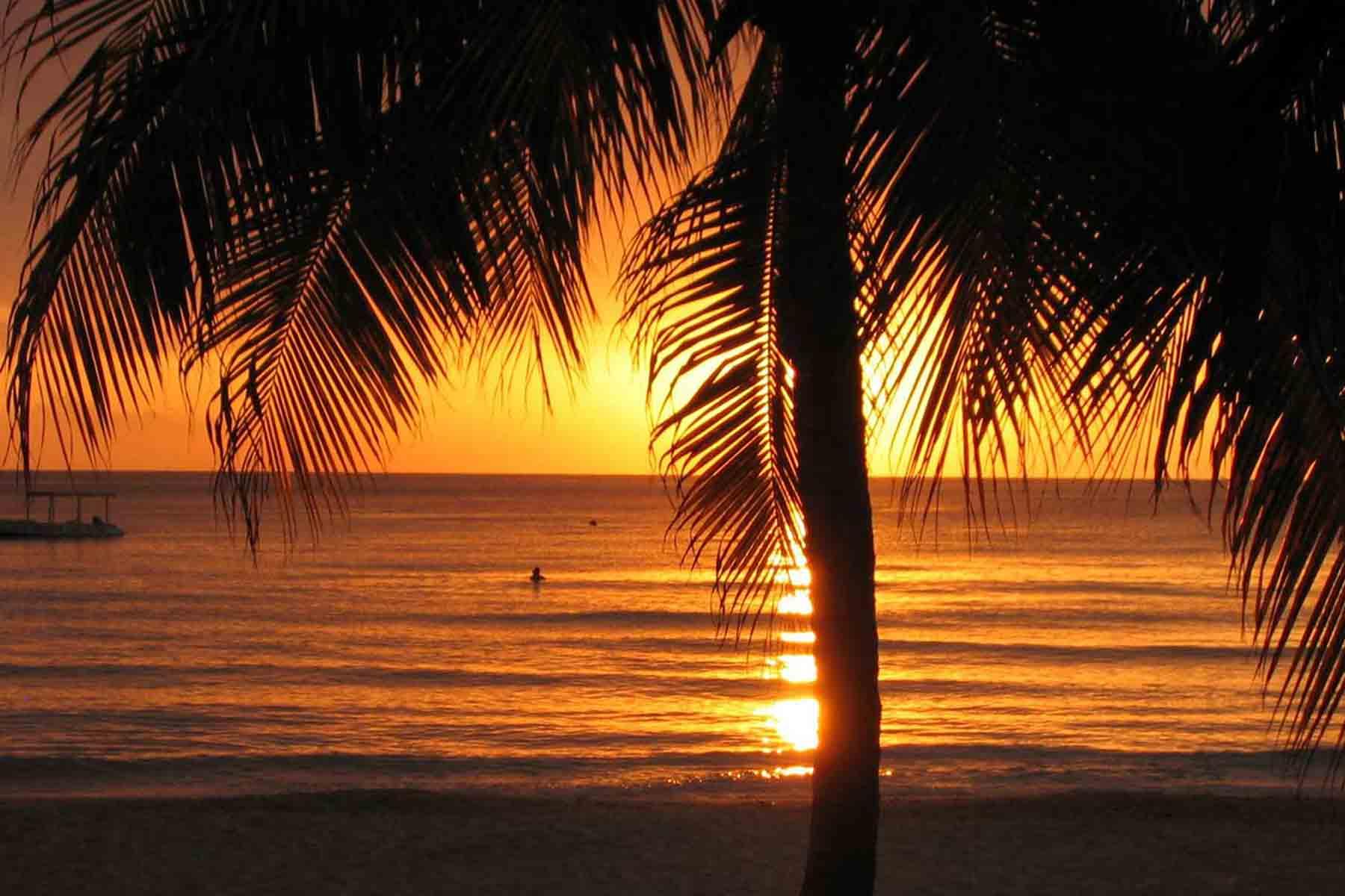 4 Unforgettable Caribbean Beaches
